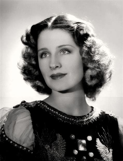 1936 journalist hair styles 1930s hairstyles elegant waves for women norma shearer