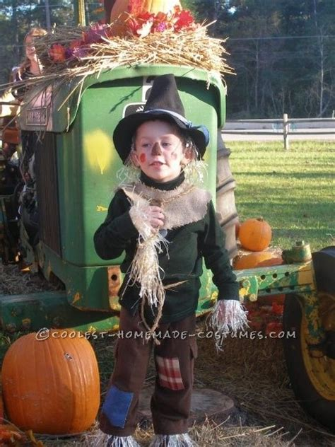coolest homemade child scarecrow costume   wizard