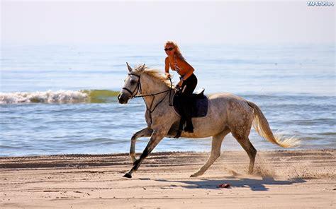 Pil Kb Pura Femme kobieta na koniu