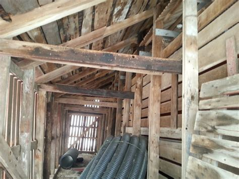 How To Build A Corn Crib by Corn Crib Building Yesterday S Tractors 1653557