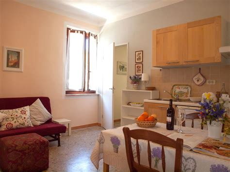 le appartment vacation apartment organic lavender farm in le marche italy