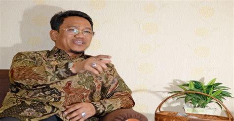 Kaos Bola 2 Menang Kalah Tetap Sriwijaya Fc Di Hati ppp sulsel ingin amir uskara maju di pilgub makassar today