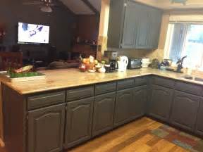 Using Chalk Paint On Kitchen Cabinets Wilker Do S Using Chalk Paint To Refinish Kitchen Cabinets