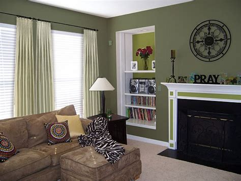 Living Rooms Painted Green by 25 Best Ideas About Green Paint On Green
