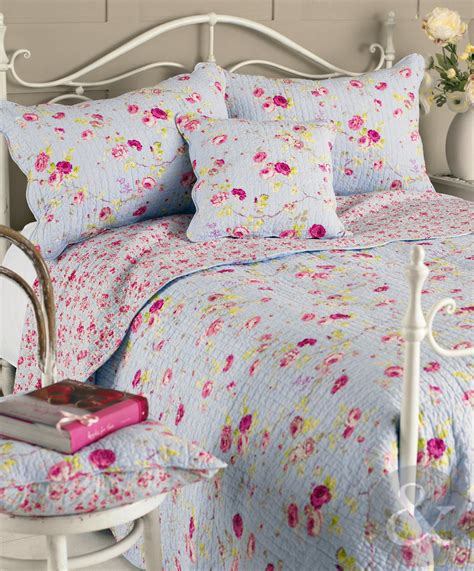 Shabby Chic Bedspreads Quilts by Floral Vintage Cotton Bedspread Luxury Shabby Chic Quilted