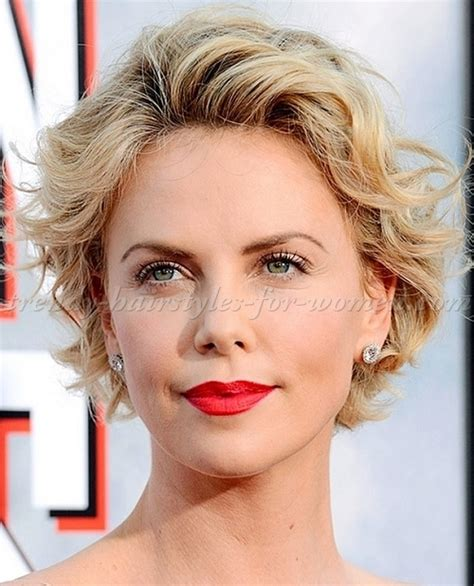 short wavy hairstyles   Charlize Theron short wavy