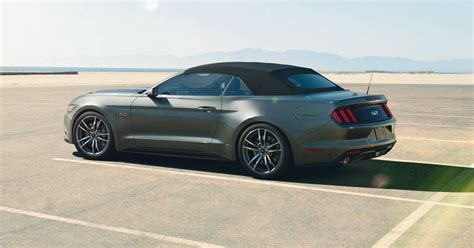 ford mustang in australia ford mustang convertible unveiled in australia photos 1