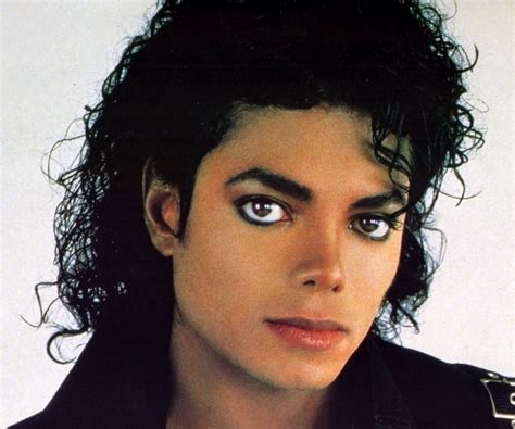 Michael Jackson Biography From Childhood | michael jackson biography childhood life achievements
