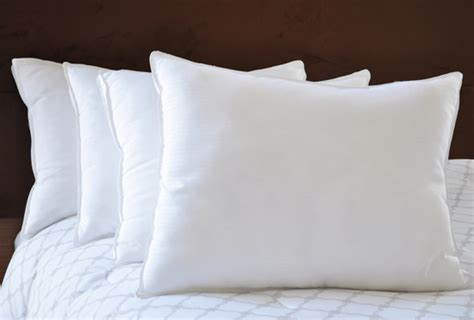 comfort suites pillows natural comfort four pillow sets