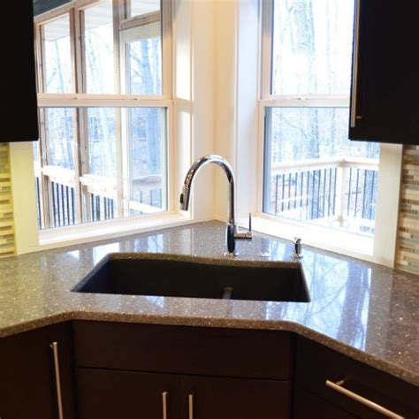 u shaped kitchen layout with corner sink