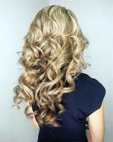 hair style for minimun hair on scalp loose curls for medium hair how to curl medium length