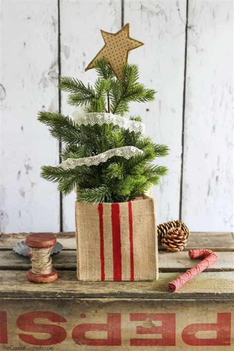 15 rustic diy burlap christmas decorations shelterness