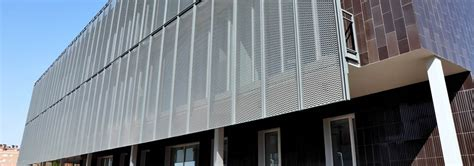Glass Wall House by Decorative Metal Wire Mesh Building Facade Cladding