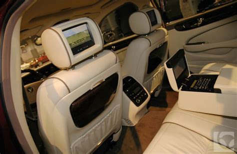 how to install tv in car install these social gadgets in your car