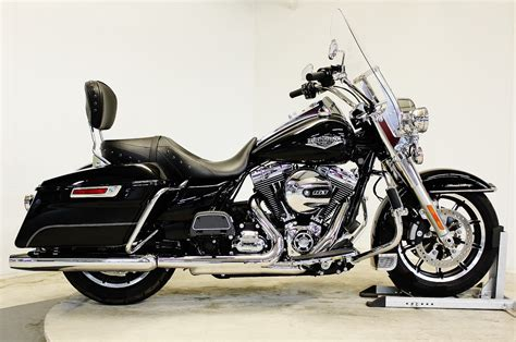 2015 Harley Davidson® FLHR Road King®   Black 2015 Harley