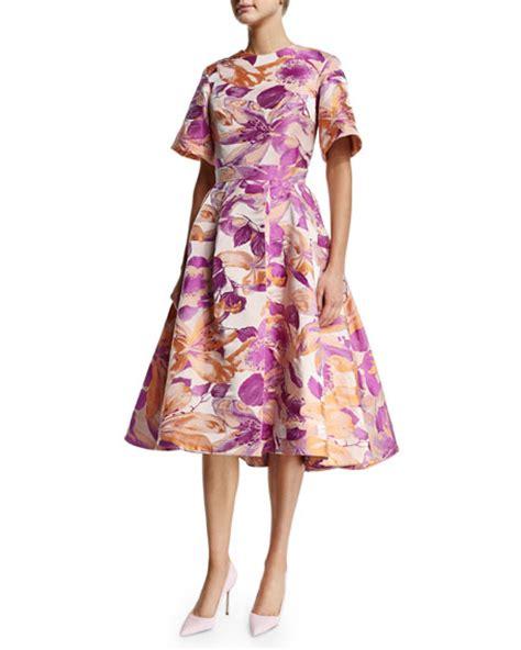 lilac swing dress christian siriano sixties floral short sleeve swing dress