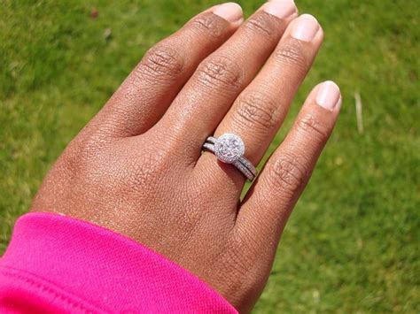 Engagement Rings On The Fingers by Wedding Rings For On Finger