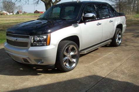 automobile air conditioning service 2007 chevrolet avalanche navigation system 2007 chevrolet avalanche ltz 4wd regency package 2nd owner loaded nav dvd more