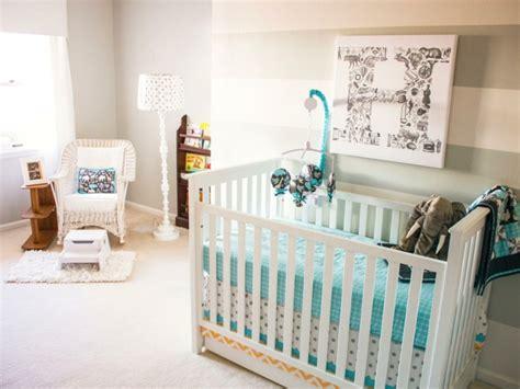 Charmant Idee Deco Chambre Pas Cher #4: chambre-bebe-pas-cher-idee-deco-chambre-bebe-fille-chambre-bebe-mixte-chambre-bebe-lit-en-bois-blanc.jpeg