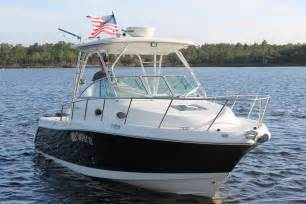 Saltwater Fishing Boats With Cabin by 2007 Used Robalo 305 Walkaround Saltwater Fishing Boat For