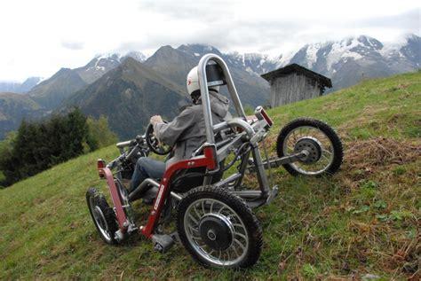 fauteuil tout terrain electrique un v 233 hicule 233 lectrique tout terrain innovant adapt 233 aux pmr le swincar d 233 l 233 gation apf de