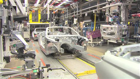 bmw factory assembly line 2012 bmw 650i convertible production line youtube