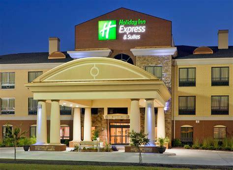 comfort inn greenville ms holiday inn express suites greenville in greenville ms