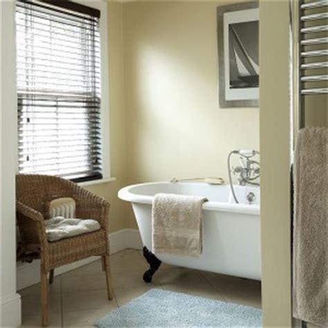 cream bathroom paint cream small bathroom paint color pictures 06 small room decorating ideas