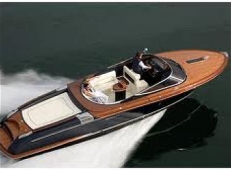riva boats for hire rent a luxury boat in lake como boat yacht rentals