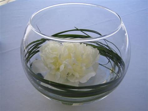 Change Of Centerpieces Any Fuller Flowers Weddingbee Chagne Glass Centerpiece
