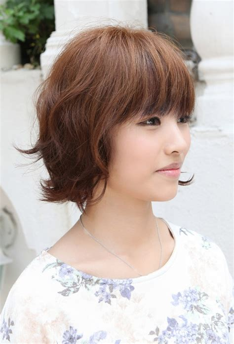 haircut styles for asian with thin and wavy ahir asian hairstyles soft casual wavy brown bob haircut