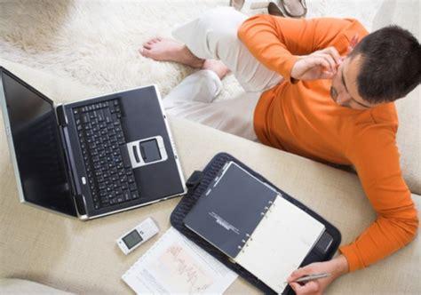 lavorare lontano da casa lavoro da casa da troppo lontano a troppo vicino