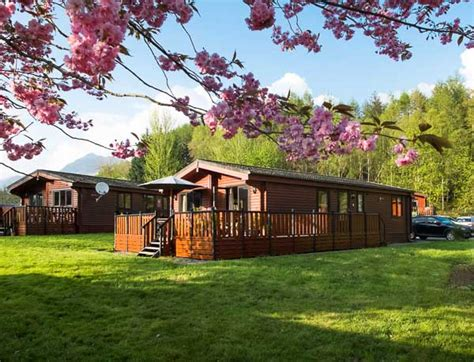 Log Cabins With Tubs In Loch Lomond by Log Cabins Loch Lomond Rowardennan Lodges