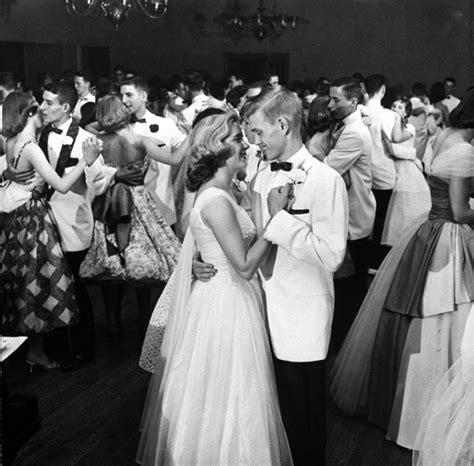 picture of 1950s prom tuxedo auto de fey 2012 06 03