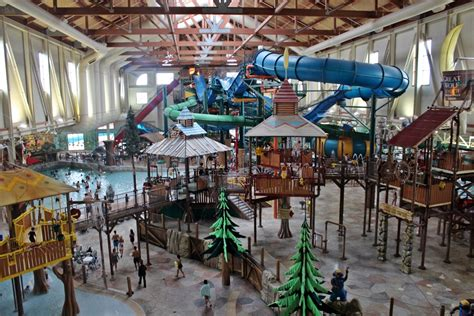 indoor  outdoor water parks