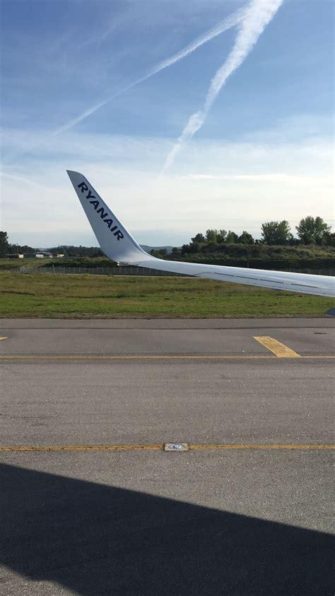 flight porto review of ryanair flight from lisbon to porto in economy