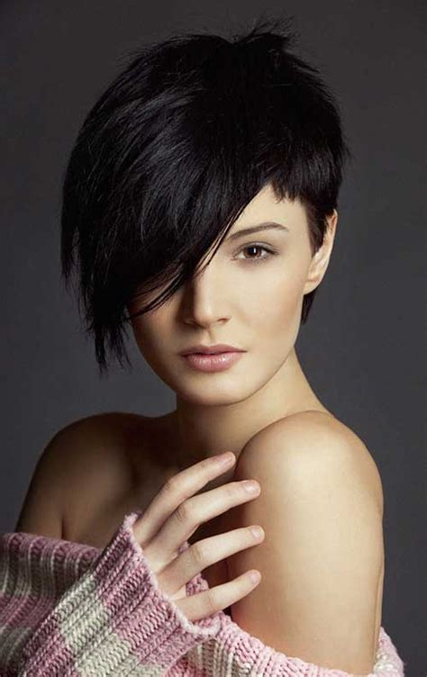 a symetric hair cut round face 25 short hairstyles for round faces short hairstyles