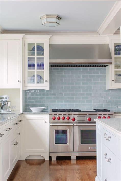 blue backsplash kitchen best 25 blue white kitchens ideas on blue kitchen designs navy kitchen cabinets