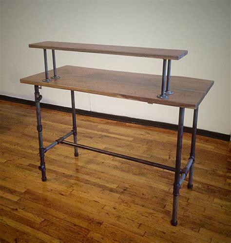 Pipe Computer Desk Best 25 Pipe Desk Ideas On Industrial Desk Industrial Pipe Desk And Diy Pipe