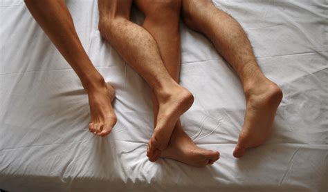 what men love in bed file kissing couple foto giovanni dall orto 29 luglio