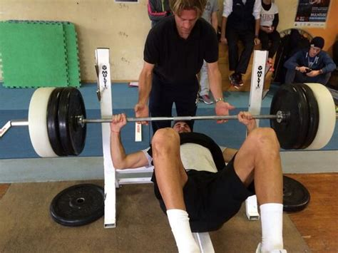 how much bench press is good how much can tennis players bench press