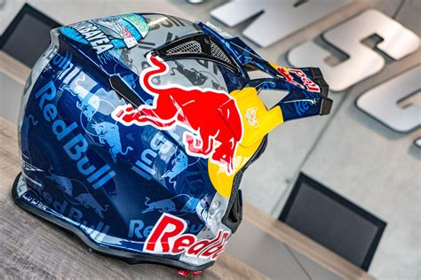 red bull helmet red bull dirt bike helmet bicycling and the best bike ideas
