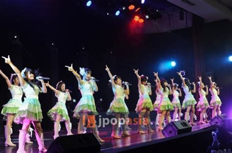 photopack melody jkt48 1st live theater exclusive jkt48 successfully held their quot theater live quot