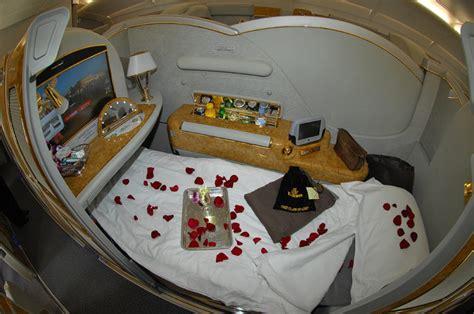 class cabin emirates a380 emirates a380 cabin tour samchui