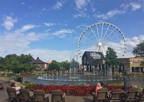 pigeon forge area guide hotels dollywood quality