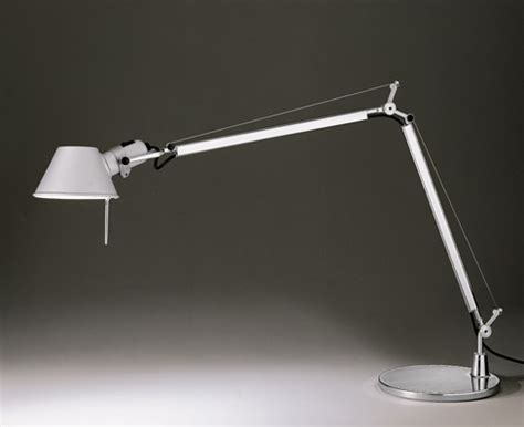 artemide lade da tavolo prezzi tolomeo artemide illuminazione da tavolo livingcorriere