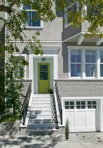 The renovation of this 1906 stucco clad victorian townhouse on pierce