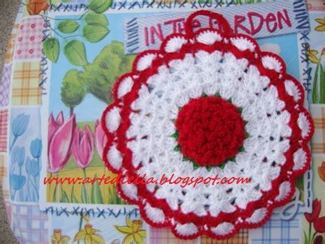 spiegazioni fiori all uncinetto le fragole di stoffa presine in fiore all uncinetto con