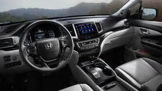 2015 Crv Interior 2016 Honda Cr V Vs 2016 Honda Pilot Middletown Honda