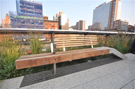highline benches mslk has a high time touring the high line